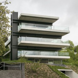 Christian Kerez . House With A Missing Column . Zurich (1)