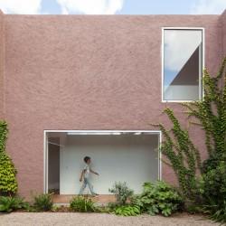 extrastudio . Three courtyard house .  Pinheiros de Azeitao (1)