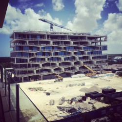 BIG .  Honeycomb  Albany Marina Residences Building 1 . Bahamas (2)