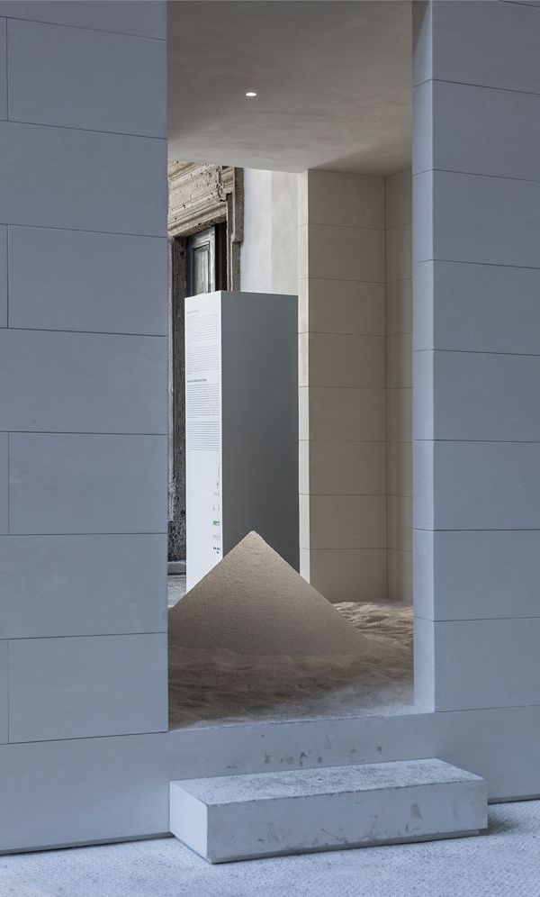 David Chipperfield . Walking through Whiteness . Milano  (3)