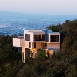 Tatiana Bilbao .  Ventura House . Monterrey (7)
