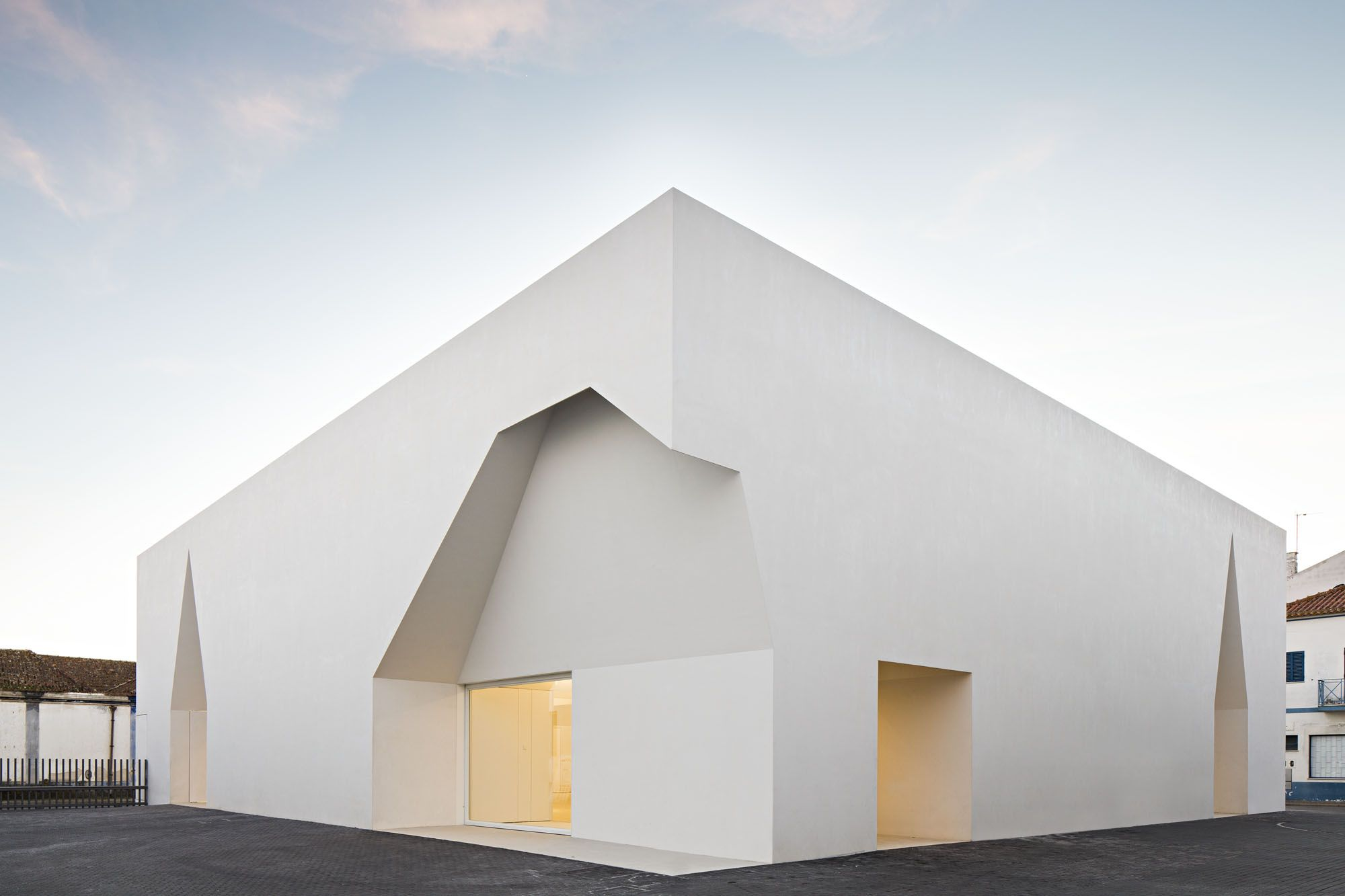 Aires mateus a f a s i a for Void architecture definition