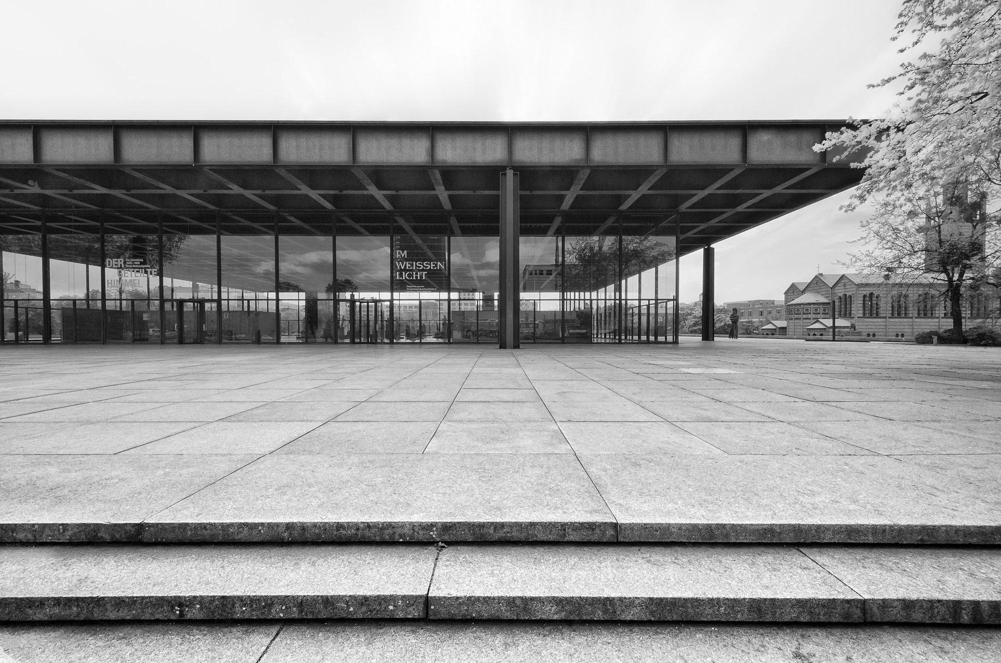 mies van der rohe neue nationalgalerie berlin 2 a. Black Bedroom Furniture Sets. Home Design Ideas