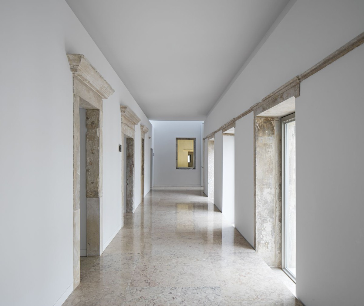 Aires Mateus . Renovation of the Trinity College - European College . Coimbra (19)