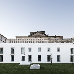 Aires Mateus . Renovation of the Trinity College - European College . Coimbra (2)