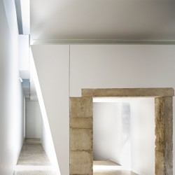 Aires Mateus . Renovation of the Trinity College - European College . Coimbra (23)
