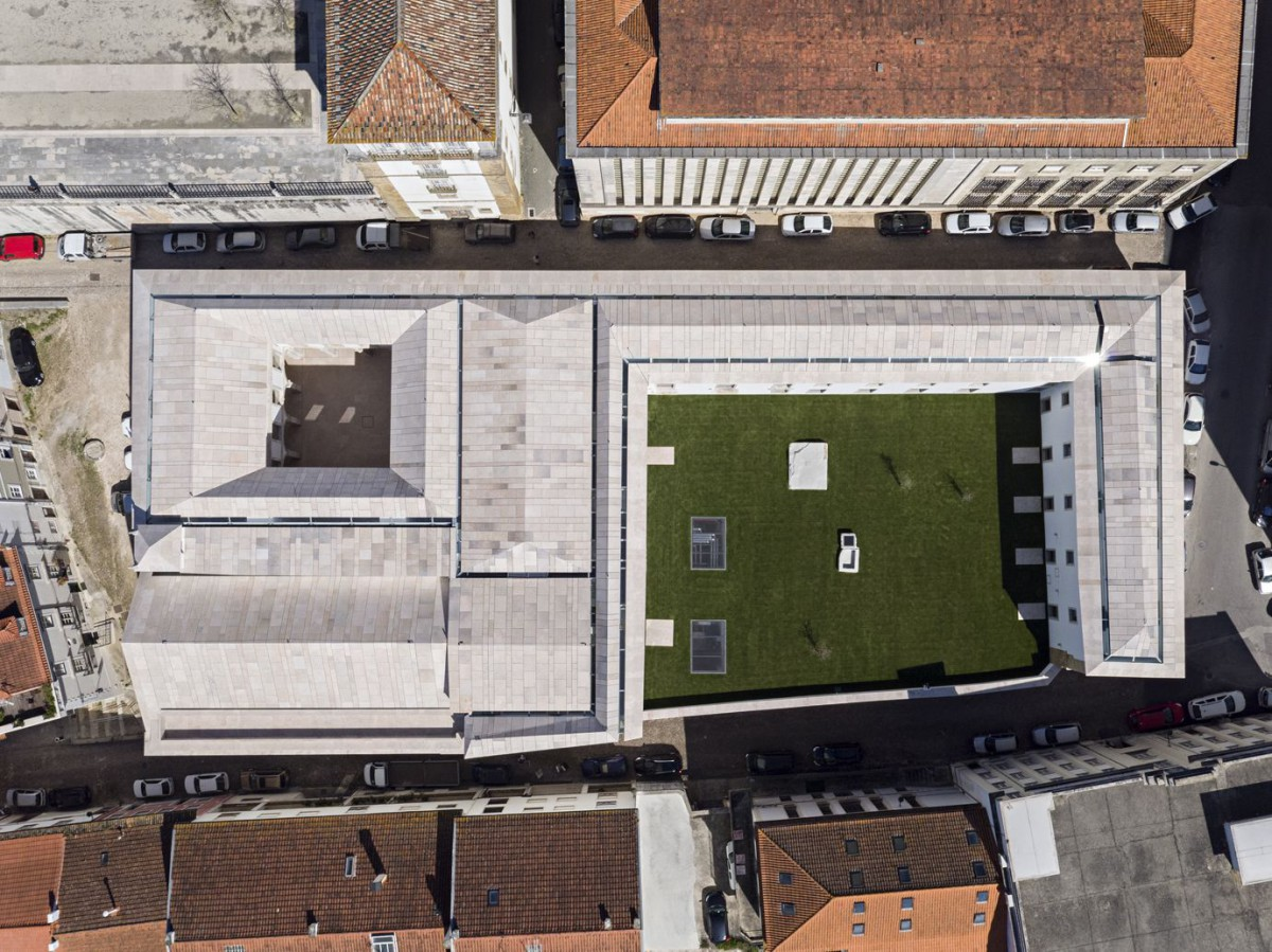 Aires Mateus . Renovation of the Trinity College - European College . Coimbra (3)