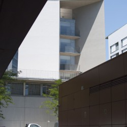Bonell i Gil . peris+toral . Collective housing for elderly people and civic and health centre . Barcelona (1)