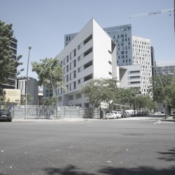 Bonell i Gil . peris+toral . Collective housing for elderly people and civic and health centre . Barcelona (3)