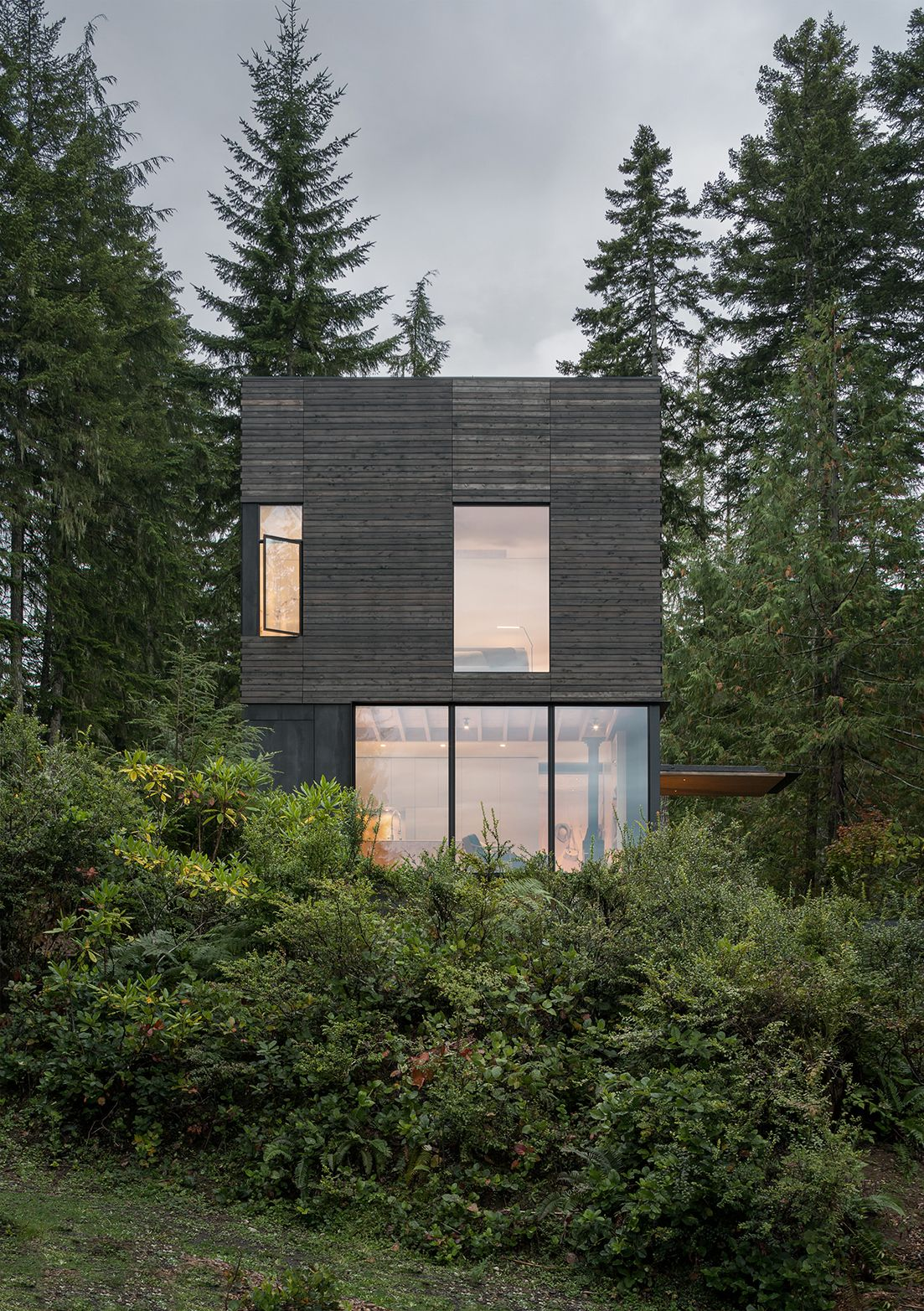 Mwworks little house hood canal 1 a f a s i a for Hood canal cabin for sale
