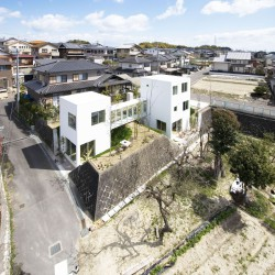 studio velocity . House with Retaining Wall of the Town . Mie (4)