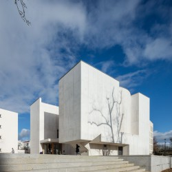 Alvaro Siza . Church of Saint-Jacques de la Lande . Rennes (11)