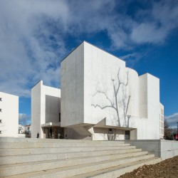 Alvaro Siza . Church of Saint-Jacques de la Lande . Rennes (12)