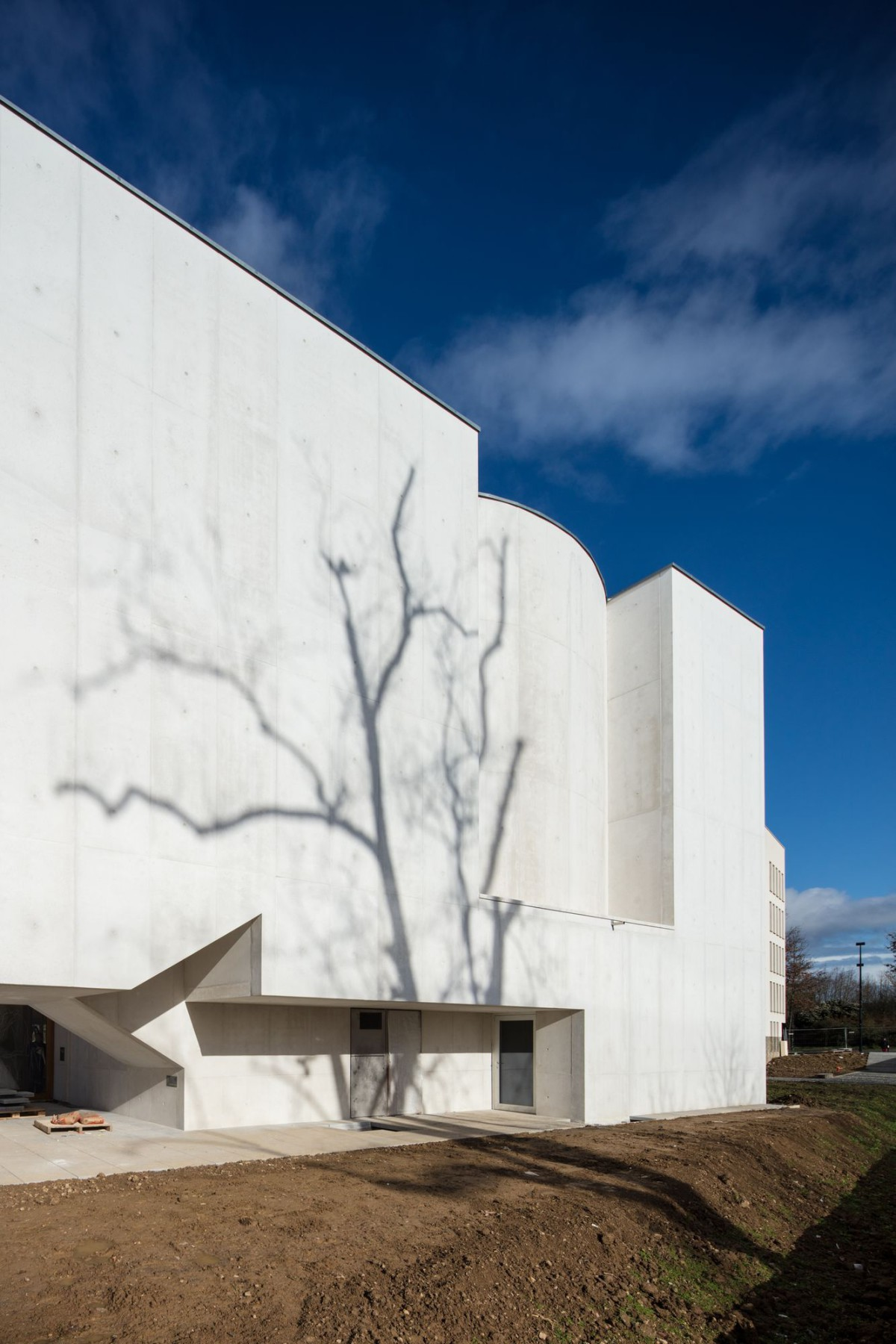 Alvaro Siza . Church of Saint-Jacques de la Lande . Rennes (13)