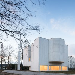Alvaro Siza . Church of Saint-Jacques de la Lande . Rennes (20)