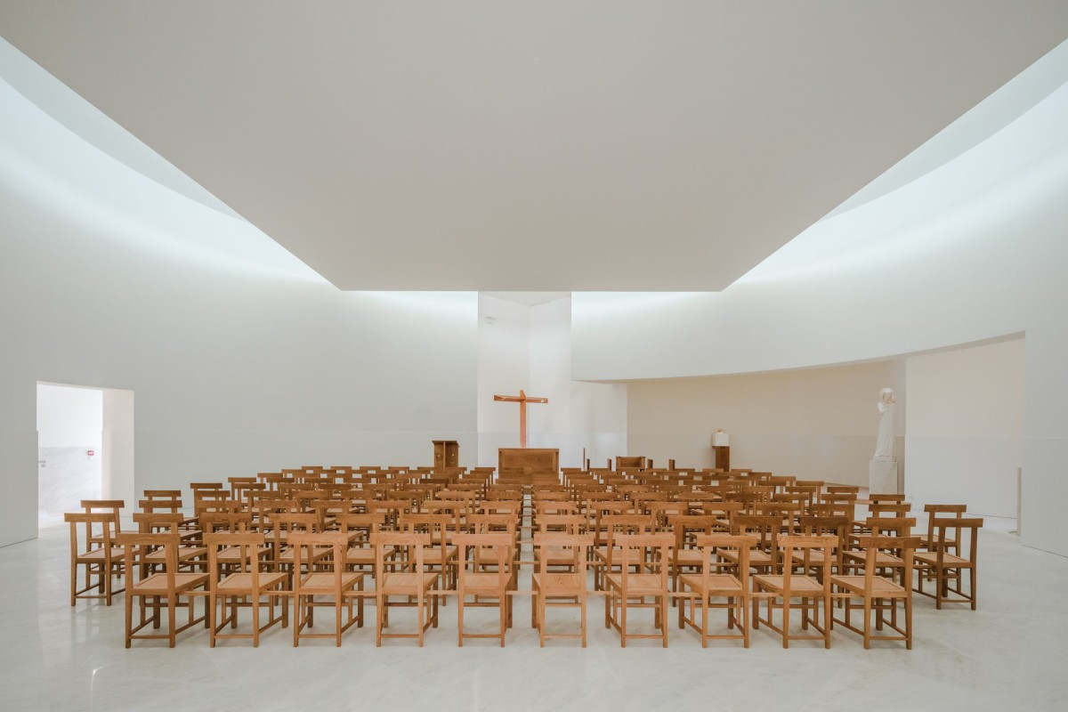 Alvaro Siza . Church of Saint-Jacques de la Lande . Rennes (36)