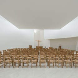 Alvaro Siza . Church of Saint-Jacques de la Lande . Rennes (67)
