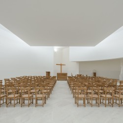 Alvaro Siza . Church of Saint-Jacques de la Lande . Rennes (68)