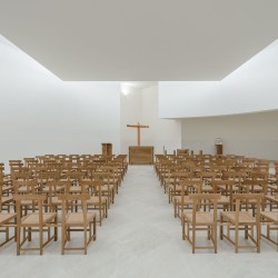 Alvaro Siza . Church of Saint-Jacques de la Lande . Rennes (69)