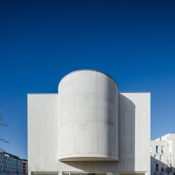 Alvaro Siza . Church of Saint-Jacques de la Lande . Rennes (7)