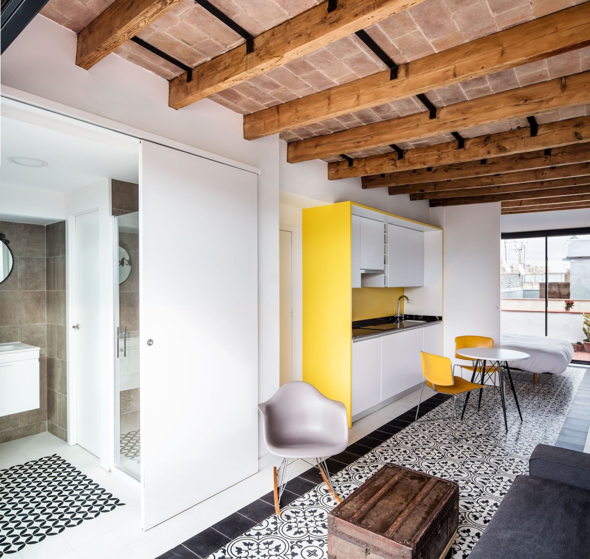 Coll-Leclerc . PENTHOUSE RENEWAL AT THE RAVAL . Barcelona (1)