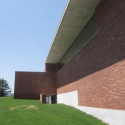 Álvaro Siza . Public Auditorium . Llinars del Vallès (11)
