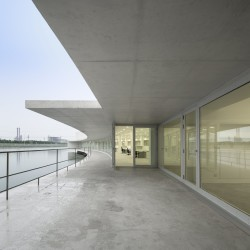 Alvaro Siza - THE BUILDING ON THE WATER SHIHLIEN CHEMICAL (2)