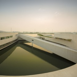 Alvaro Siza - THE BUILDING ON THE WATER SHIHLIEN CHEMICAL (30)