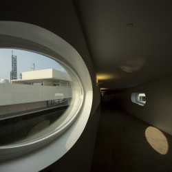 Alvaro Siza - THE BUILDING ON THE WATER SHIHLIEN CHEMICAL (54)