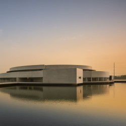 Alvaro Siza - THE BUILDING ON THE WATER SHIHLIEN CHEMICAL (7)