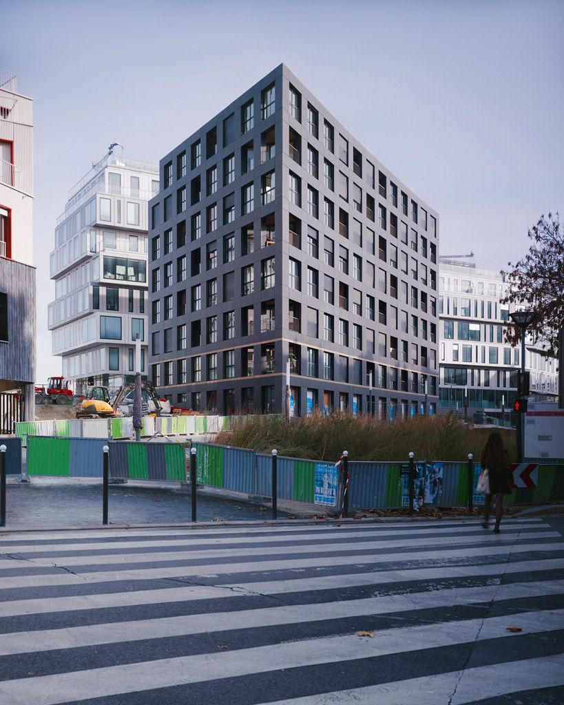 LAN . 40 Housing Units . Paris (1)
