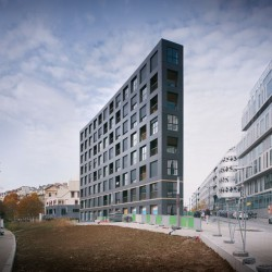 LAN . 40 Housing Units . Paris (7)