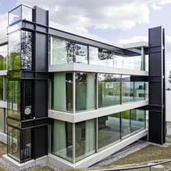 Christian Kerez . House With A Missing Column . Zurich (2)