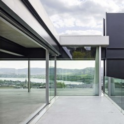 Christian Kerez . House With A Missing Column . Zurich (4)
