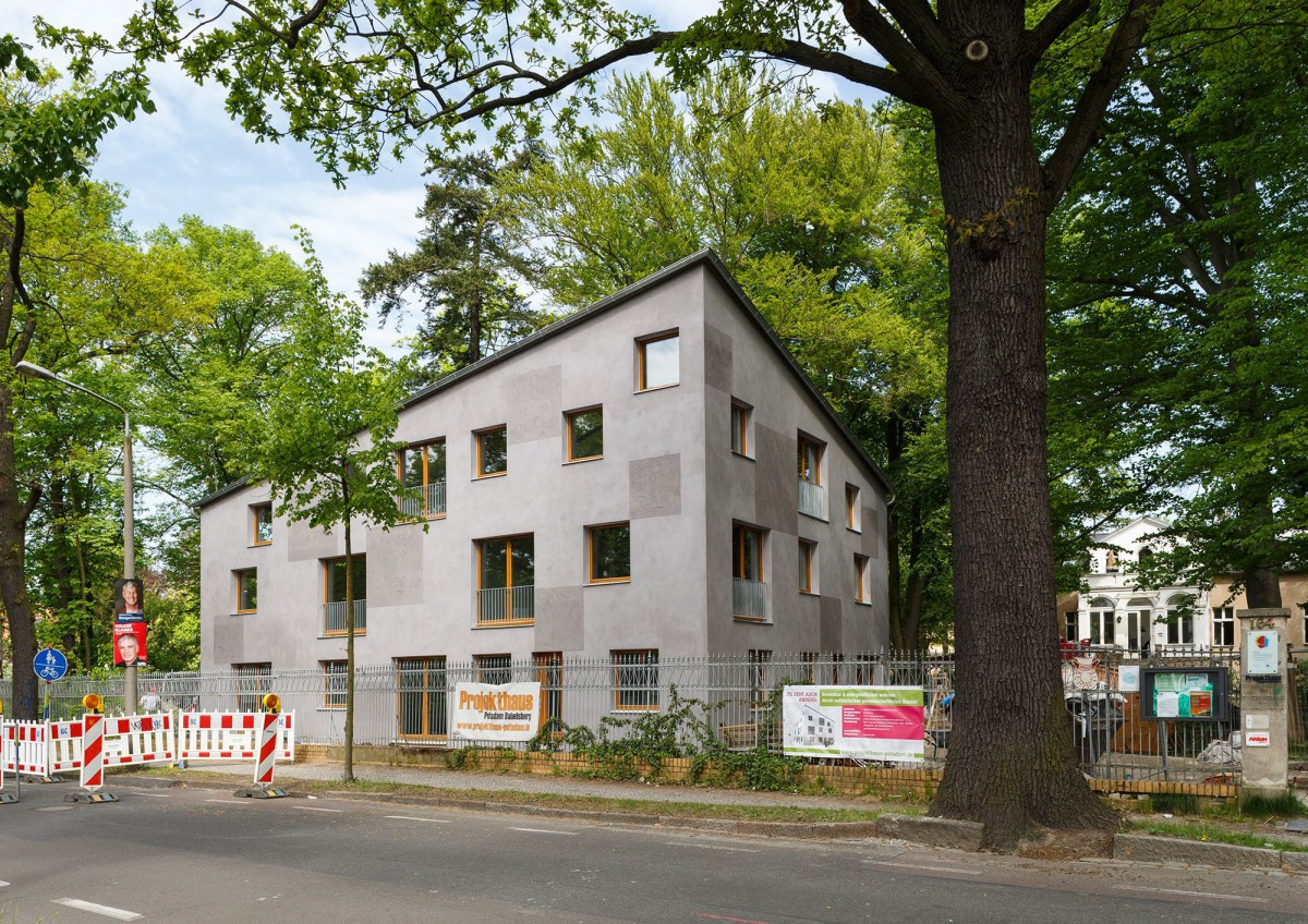 PAC . Multi-family passive house with 8 apartments . Potsdam  (1)