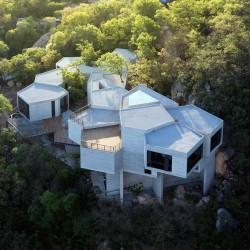 Tatiana Bilbao . Ventura House .  Monterrey (1)
