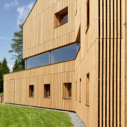 Mann Capua-Mann . Region of Vaud Sport House . Leysin  (7)