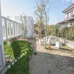 studio velocity . House with Retaining Wall of the Town . Mie (5)