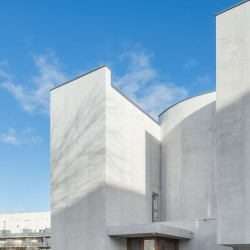Alvaro Siza . Church of Saint-Jacques de la Lande . Rennes (14)