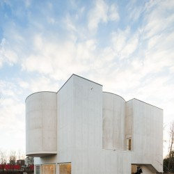 Alvaro Siza . Church of Saint-Jacques de la Lande . Rennes (18)