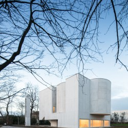 Alvaro Siza . Church of Saint-Jacques de la Lande . Rennes (23)