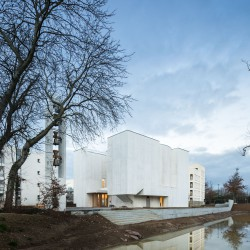 Alvaro Siza . Church of Saint-Jacques de la Lande . Rennes (25)