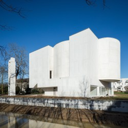 Alvaro Siza . Church of Saint-Jacques de la Lande . Rennes (3)