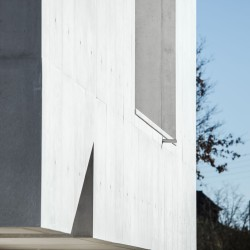 Alvaro Siza . Church of Saint-Jacques de la Lande . Rennes (30)