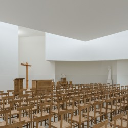 Alvaro Siza . Church of Saint-Jacques de la Lande . Rennes (37)