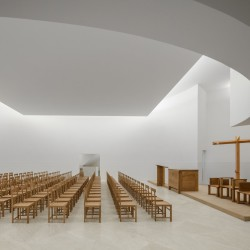 Alvaro Siza . Church of Saint-Jacques de la Lande . Rennes (38)