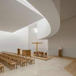 Alvaro Siza . Church of Saint-Jacques de la Lande . Rennes (39)
