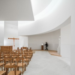 Alvaro Siza . Church of Saint-Jacques de la Lande . Rennes (42)
