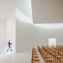 Alvaro Siza . Church of Saint-Jacques de la Lande . Rennes (44)