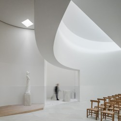 Alvaro Siza . Church of Saint-Jacques de la Lande . Rennes (46)